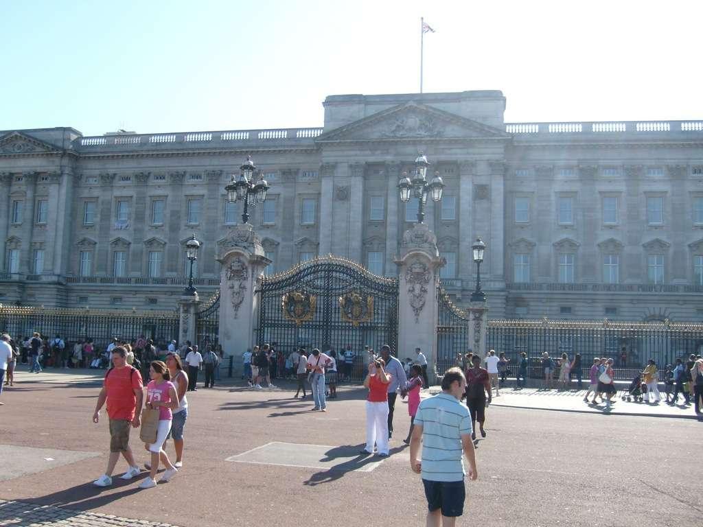 Buckingham Palace (c) 2013 www.weltvermessen.de