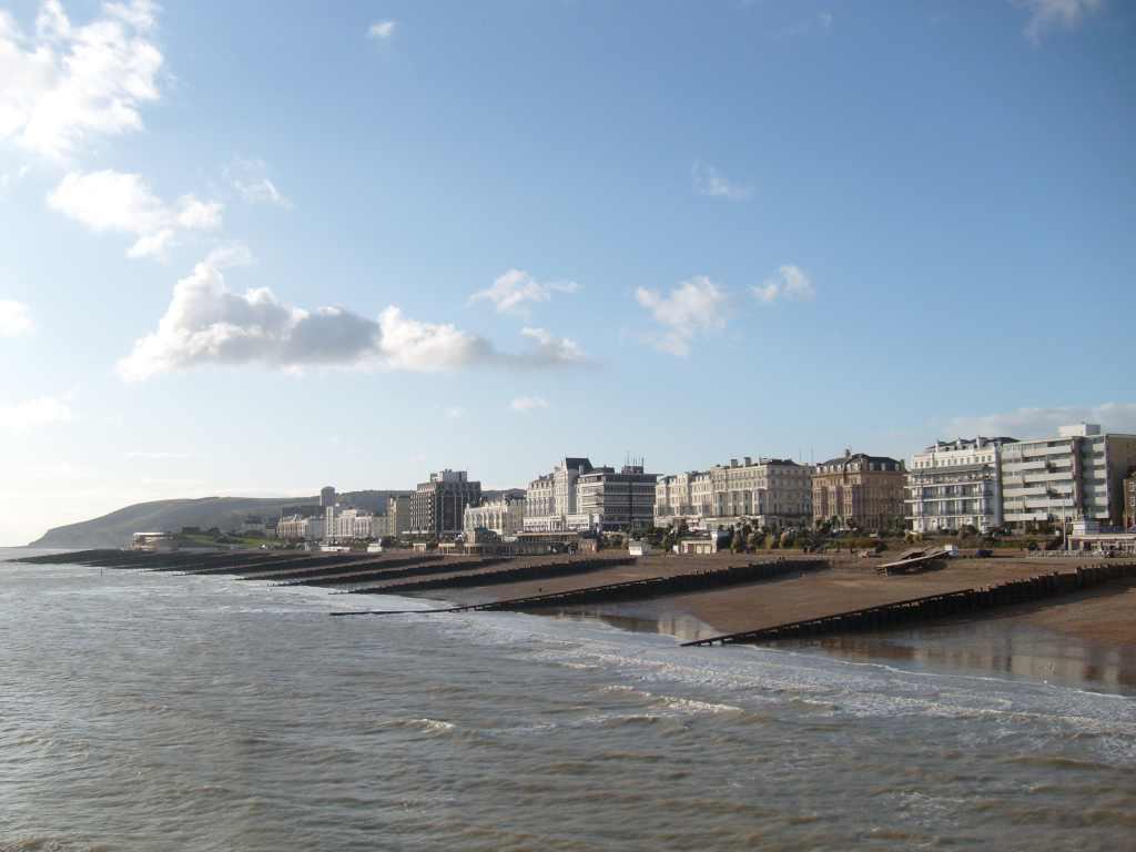 Strandpromenade von Brighton - www.weltvermessen.de