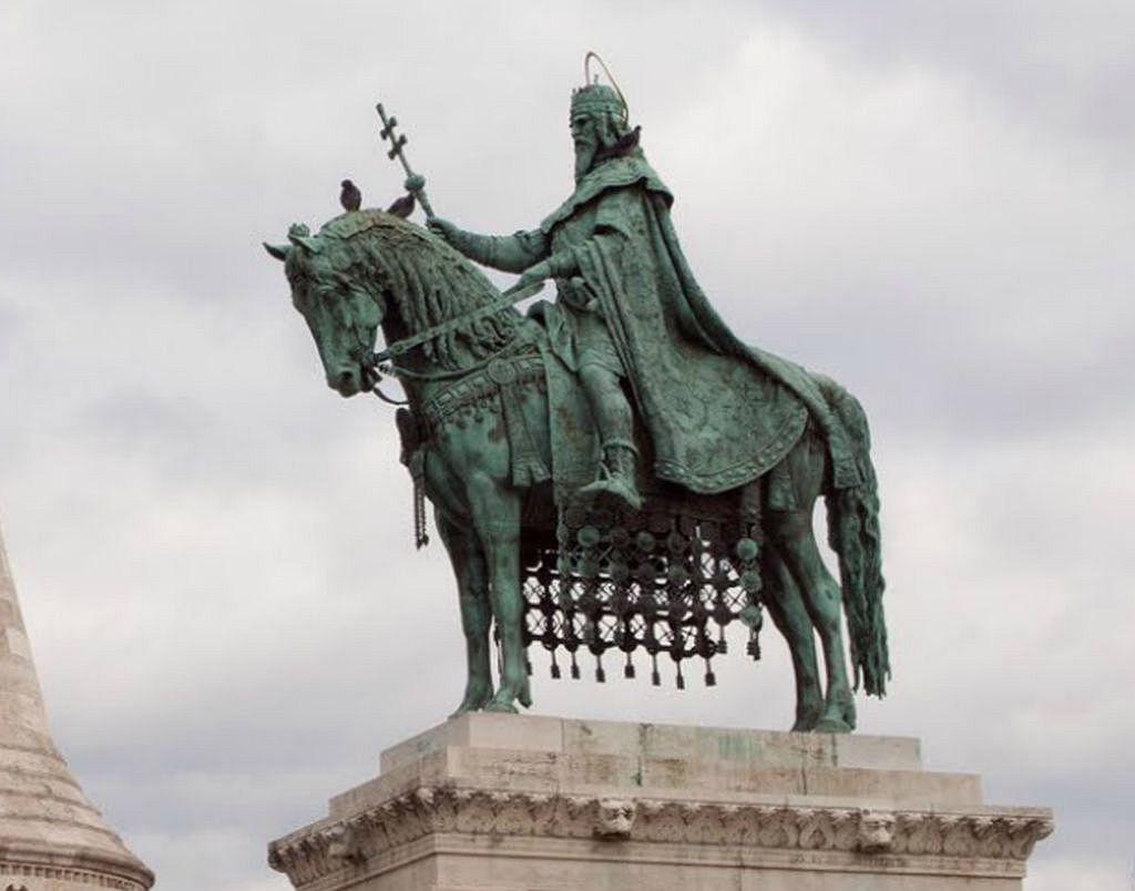 Statue von König Stephan I. in Budapest