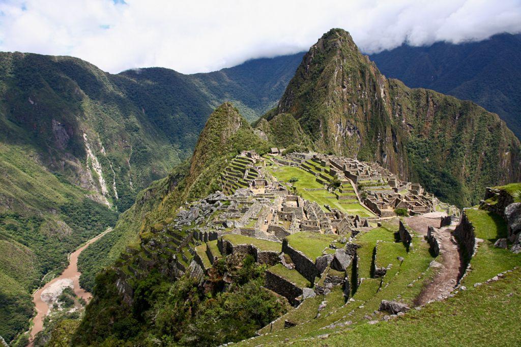 Ruinenstadt der Inkas Machu Picchu in Peru (c) David Lohmüller - weltvermessen.de