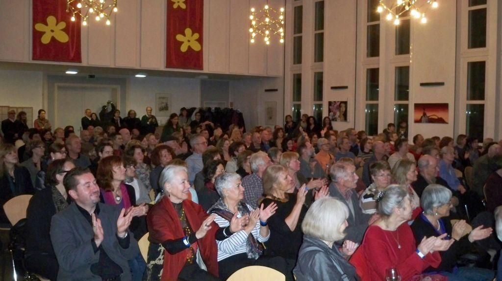 Publikum beim 30. Jubiläum des griechischen Kulturvereins