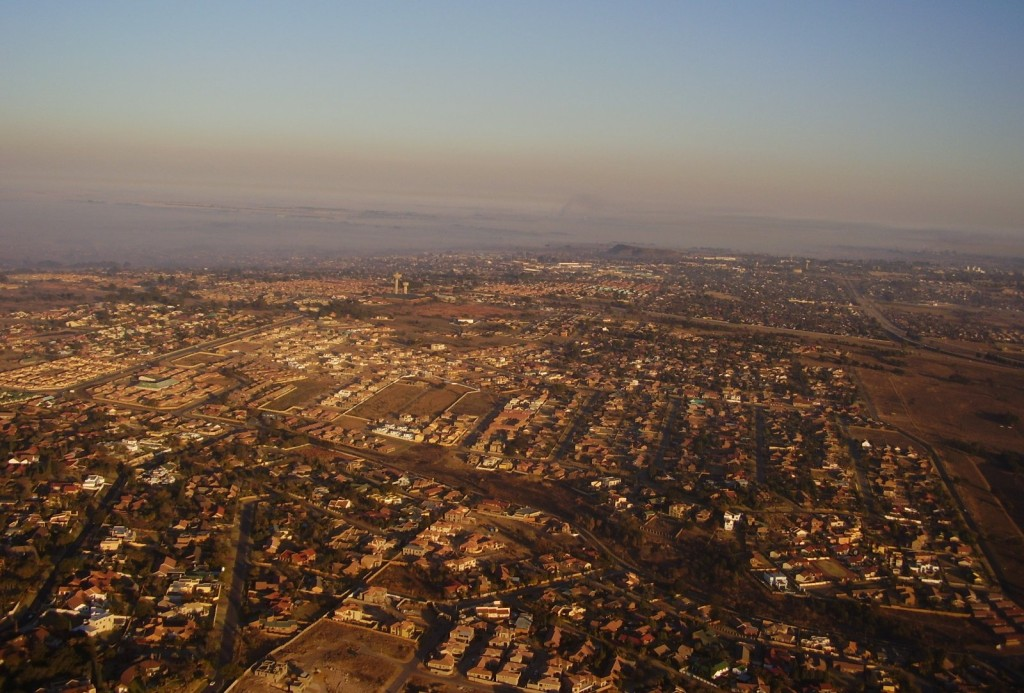 http://upload.wikimedia.org/wikipedia/commons/e/e2/South_Africa-Mpumalanga-Witbank01.jpg