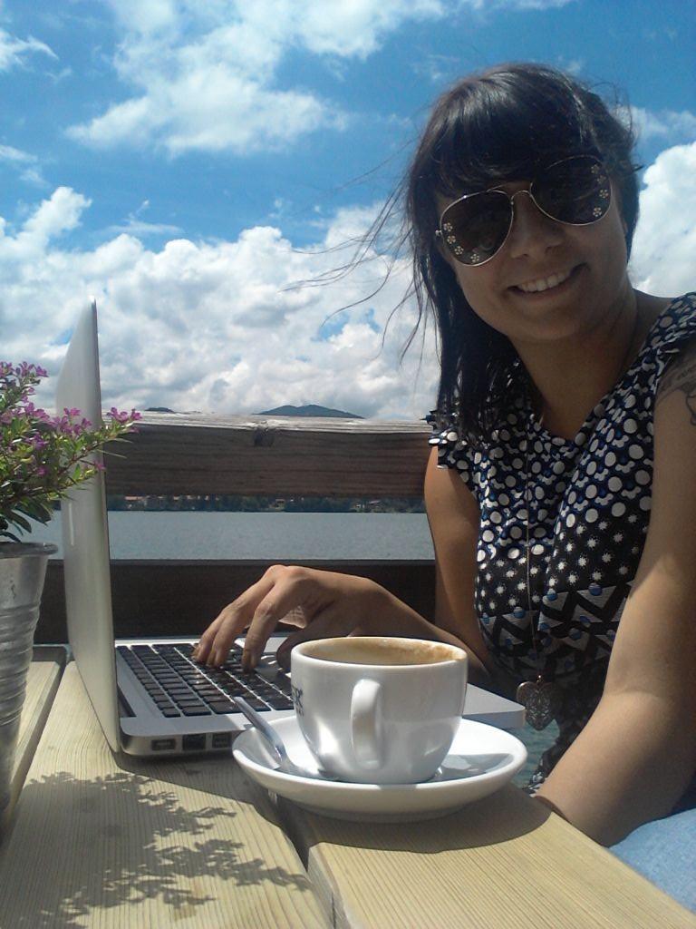 Bayrische Bloggerin beim Arbeiten (c) Miriam Zöllich