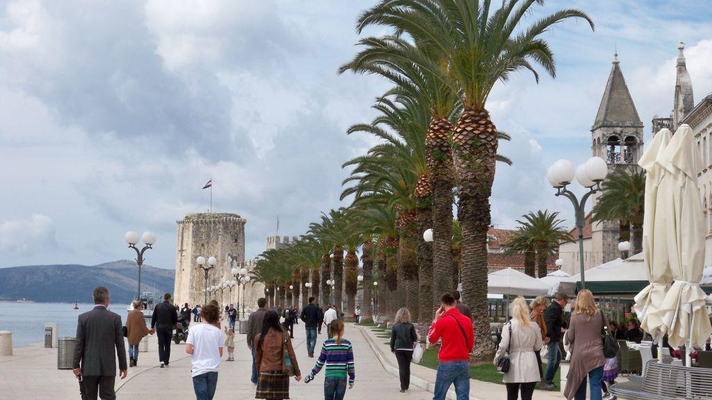 Hafenpromenade Riva in Trogir (c) weltvermessen.de