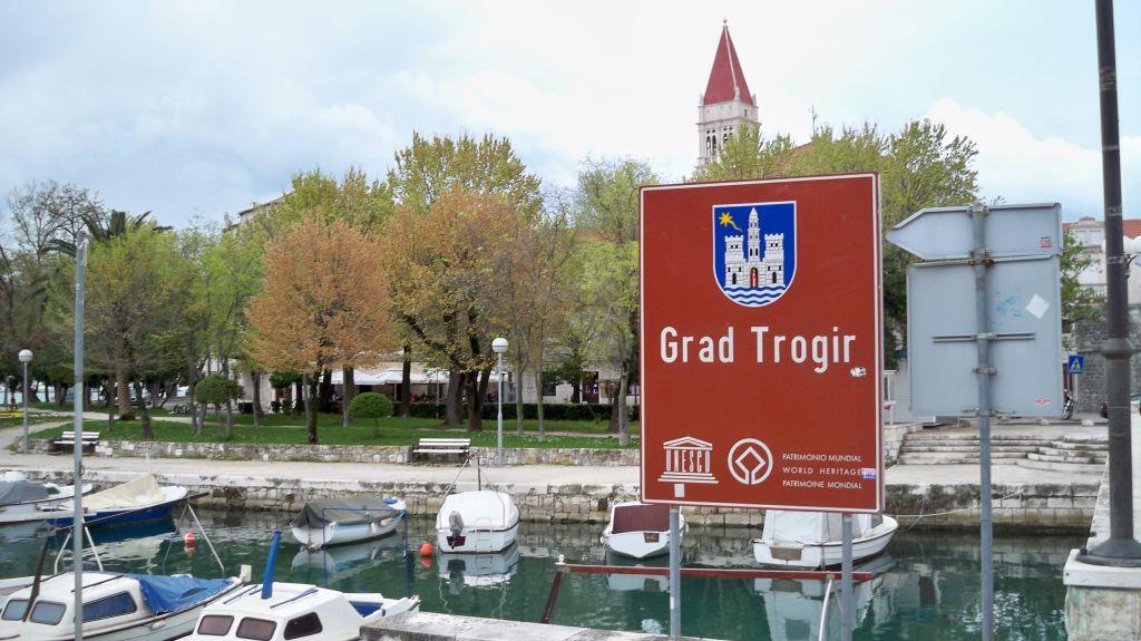 Ortsschild Trogir (c) weltvermessen.de
