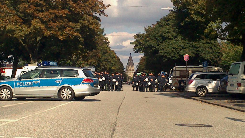 Während einer Demo auf St. Pauli (c) Rabea Ganz